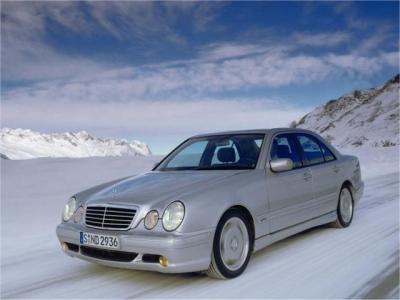 W210 10 - Mercedes-Benz Wallpaper - MB-Wallpaper.de