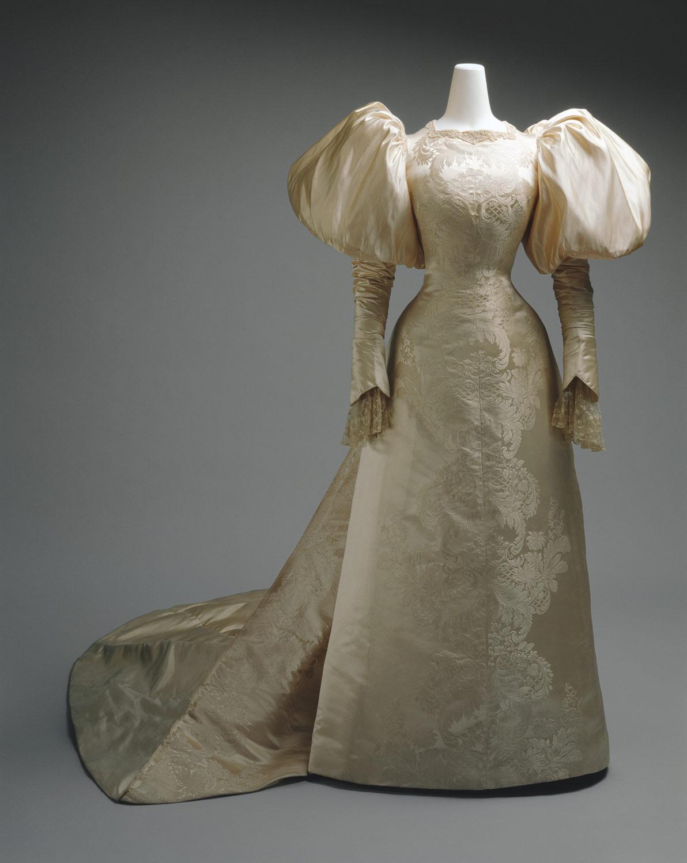 hd wrth wedding dress Wedding dress