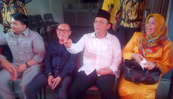 Ansar Ahmad saat mendatangi Sekretariat PDIP Provinsi Kepri. Foto Ian