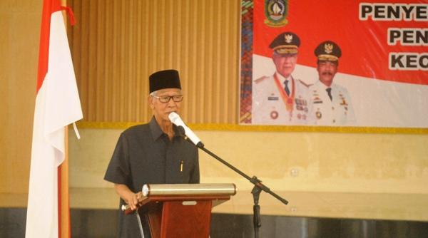 Gubernur Kepri, Drs H. muhammad Sani saat menyampaikan sambutannya. Foto ALPIAN TANJUNG