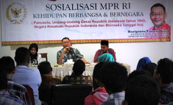 Anggota DPD RI, Haripinto Tanuwidjaja saat sosialisasi di Tanjungpinang. Foto PUTRA