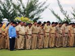 Tenaga_honorer_di_lingkungan_Pemko_Tanjungpinang_pun_turut_mengikuti_upacara_peringatan_OTDA_ke-19