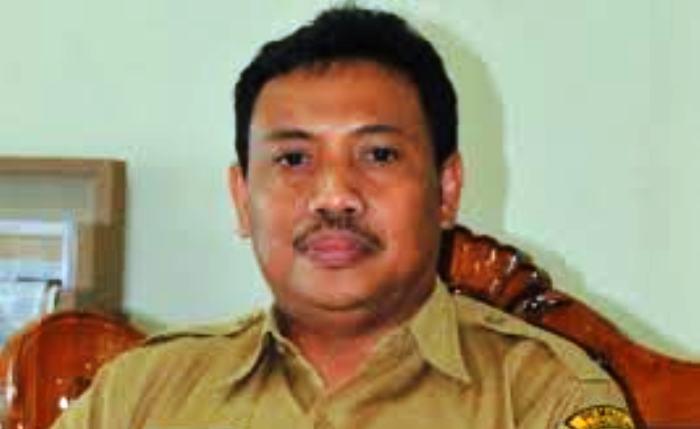 Kadinkes Kota Tanjungpinang, Rustam Effendi