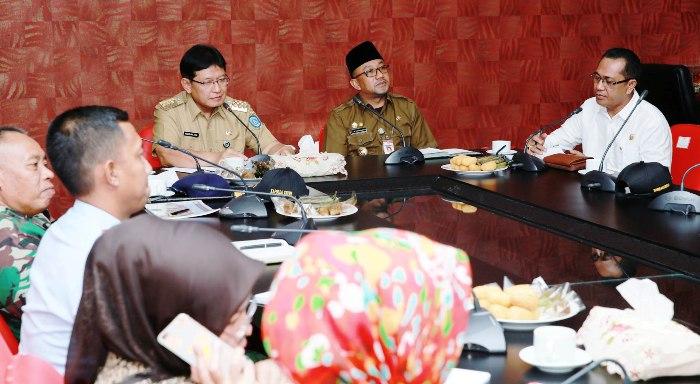 Pj Gubernur Kepri dan Wali Kota Tanjungpinang saat rapat jelang Pilkada