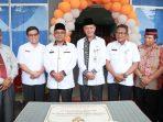 Lis dan Syahrul bersama Kadis Kesehatan Kota dan Kadis Kesehatan Provinsi Kepri saat peresmian Puskesmas Batu 10
