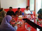 Anggota DPRD Kota Tanjungpinang Dapil Tanjungpinang Timur Saat Reses ke Kelurahan Batu IX. Foto RUDI PRASTIO
