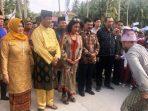 Plt Gubernur Kepri Isdianto Bersama Menteri Susi Saat Dsambut Masyarakat Anambas