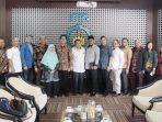 Rombongan Komisi III DPRD Kepri Saat Foto Bersama di ITS Surabaya