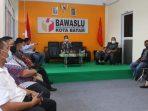 Rombongan Komisi I DPRD Kepri Saat di Kantor Bawaslu Kota Batam