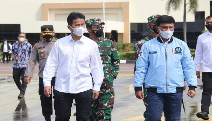 Wali Kota Batam, Muhammad Rudi Menyambut Kedatangan Menteri Kominfo