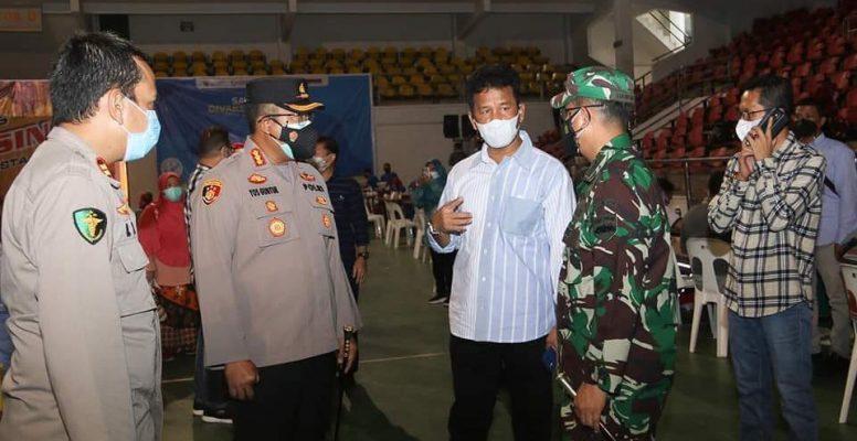 Wali Kota Batam, Muhammad Rudi Bersama Forkompinda Saat Meninja Vaksinasi