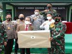 Ketua DPRD Kepri, Jumaga Nadeak Foto Bersama Usai Memberikan Pembekalan