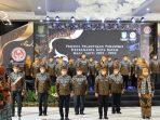 Wagub Kepri, Marlin Agustina Saat Melantik Pengurus Dekranasda Kota Batam Masa Bakti 2021 - 2024