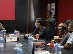 Ketua DPRD Kepri Jumaga Nadeak Saat Audensi Dengan Pengurus HIMA PERSIS Kepri