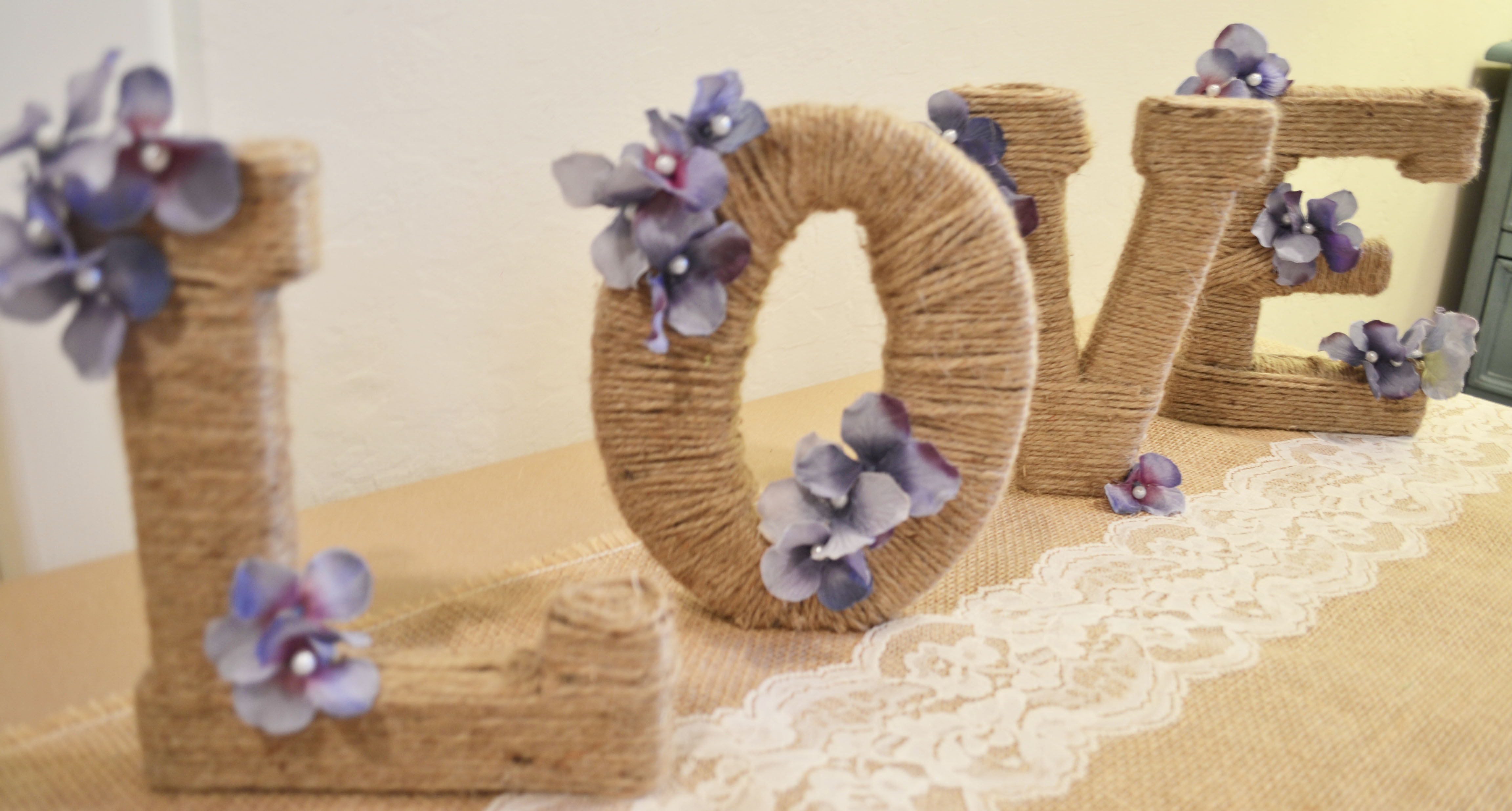 cheap rustic decorations wedding decorations cheap DIY Rustic Wedding Get the Rustic Touch without Breaking the Bank