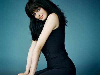 Anne Hathaway HD Wallpapers | Movie HD Wallpapers