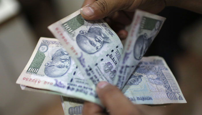 Demonetisation: RBI restricts withdrawal from Jan Dhan accounts up to Rs 10,000 per month