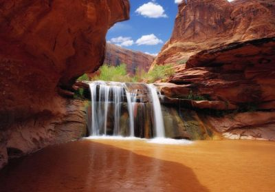 Beautiful Ancloves and Rocky Bridges in Coyote Gulch, Utah, USA | Places To See In Your Lifetime