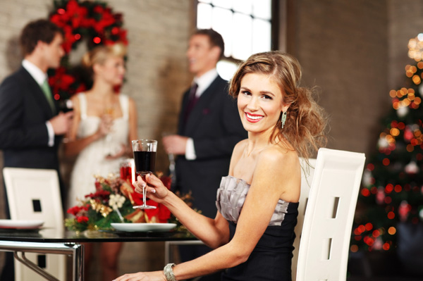 woman-at-holiday-cocktail-party