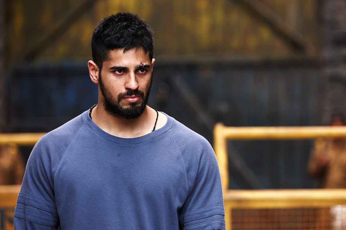 Sidharth Malhotra apologetic about his disrespectful comment on     During