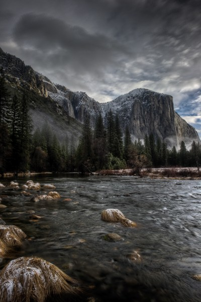 24 Gorgeous Yosemite iPhone Wallpapers