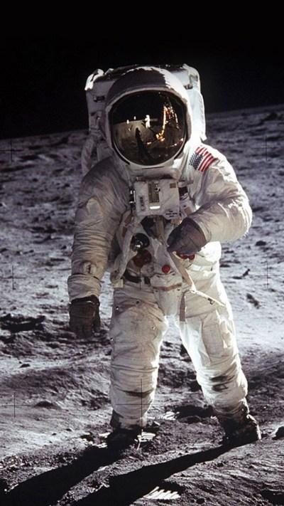 Download Free Astronaut Iphone Wallpaper   PixelsTalk.Net