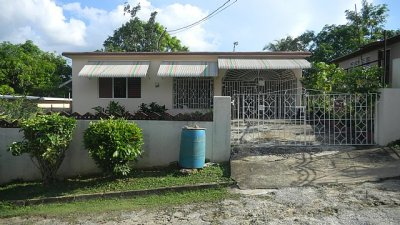 House For Sale in Charlemont Housing Scheme, St. Catherine, Jamaica | PropertyAds Jamaica