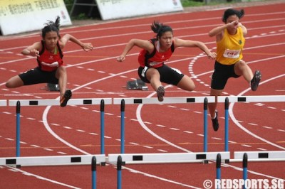 B Div 100m Hurdles (Girls): Kerstin Ong of Sports School strides home to gold in 14.99s – RED SPORTS