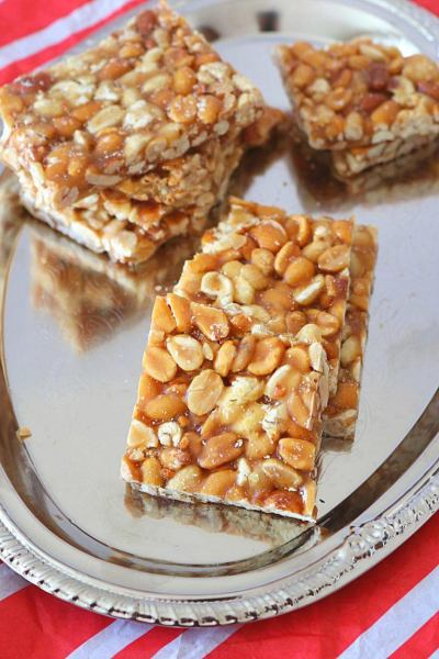 Peanut Chikki, how to make peanut brittle, homemade peanut gajak
