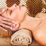Remedios y Soluciones Naturales para Aliviar el Cuello Rígido