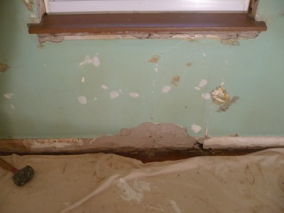 Scevoli Painting - Damaged Plaster gets Repaired and Painted - Before and After Photos