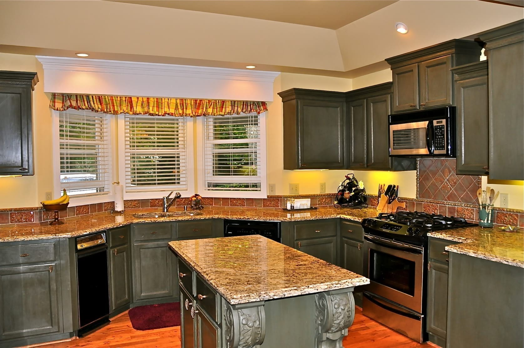 kitchen remodel kitchen remodel ideas images kitchen remodel 10 Sell or Remodel Get The Most For The Dollar