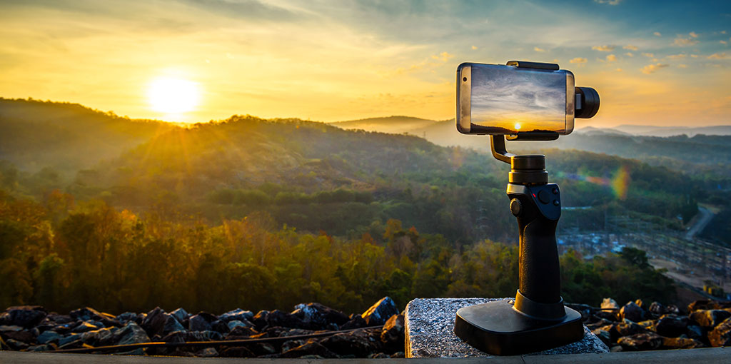 Improve Your Cinematography by Using Your Phone Improve Your Cinematography by Using Your Phone     Position Phone