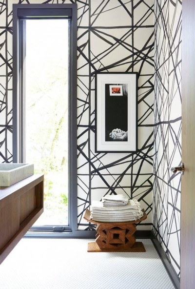 bathroom-black+white+wallpaper-Kelly+Wearstler ...