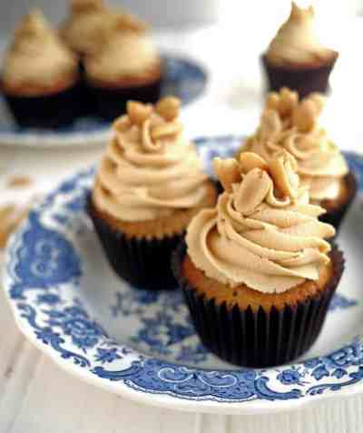 Banana Cupcakes with Peanut Butter Frosting - Taming Twins