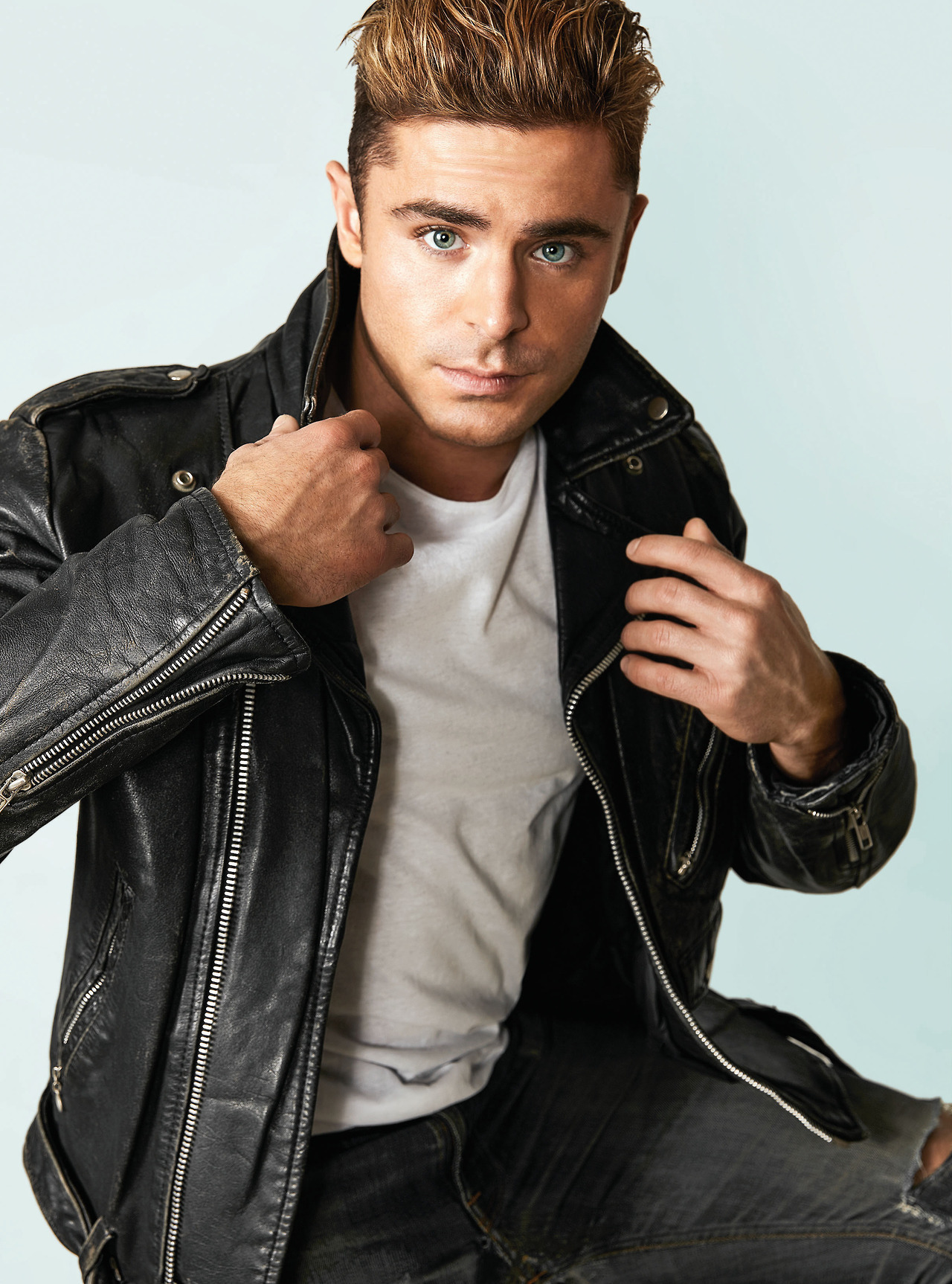 Teen Idols 4 You   Pictures of Zac Efron in General Pictures  Page 1 Zac Efron   zac efron 1514177326 jpg