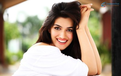 14 Best Kriti Sanon Wallpapers - HD and Hot