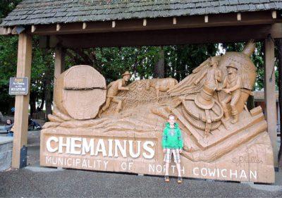 3 Reasons To Visit Chemainus On Vancouver Island - Traveling Islanders