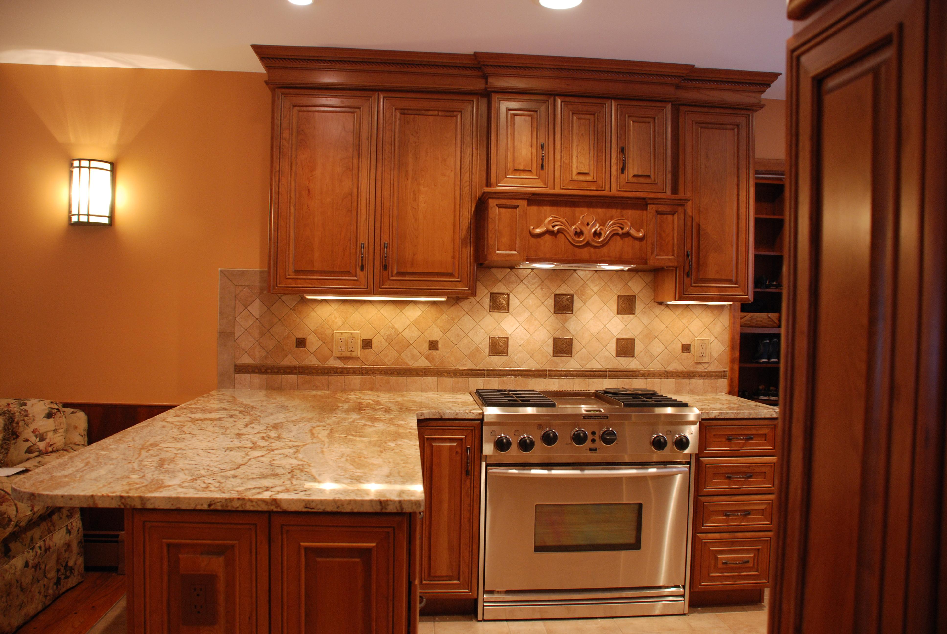 undercabinetlightingshop under cabinet kitchen lighting Xenon Under Cabinet Lighting