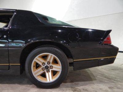 1986 Chevrolet Camaro IROC Z28 muscle wallpaper | 2592x1944 | 387719 | WallpaperUP