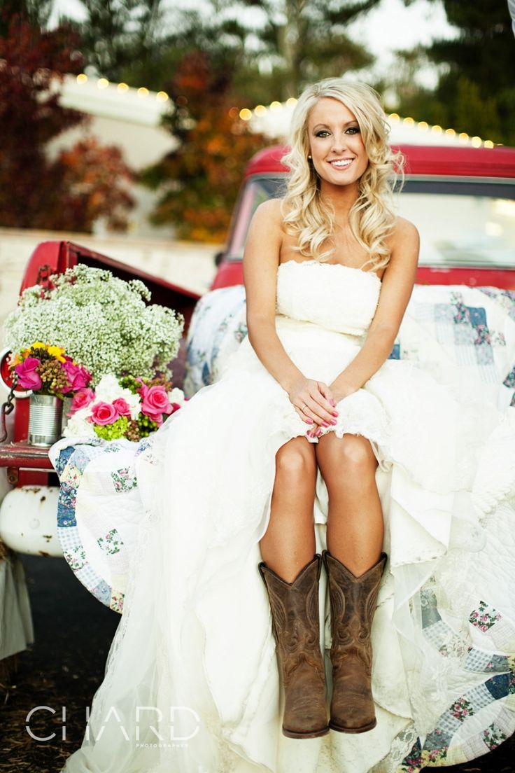 popular vintage wedding dresses ideas for fall wedding rustic style wedding dresses Popular Vintage Wedding Dresses Ideas For Fall Wedding