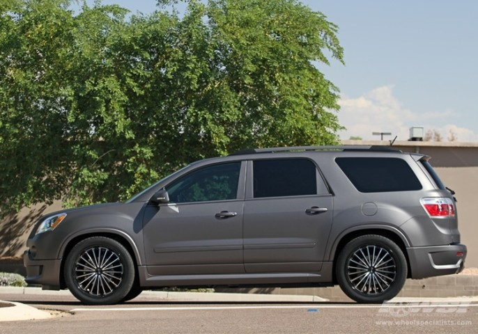2011 GMC Acadia with 22  Gianelle Trentino in Machined Black  Gloss     2011 GMC Acadia with 22  Gianelle Trentino in Machined Black  Gloss Black  Lip