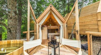 Tiny Flower Cabins | Woodz