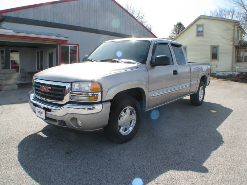 Pre Owned 2006 GMC Sierra 1500 4WD Ext Cab SL Standard Bed in Coal     Pre Owned 2006 GMC Sierra 1500 4WD Ext Cab SL