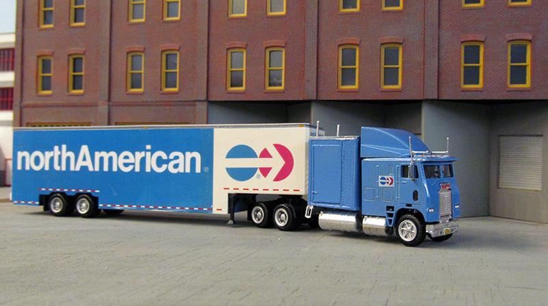 North American Van Lines Freightliner FL10464 Truck ...