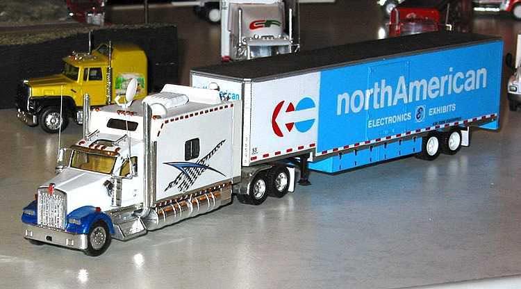 North American Van Lines Kenworth W900L