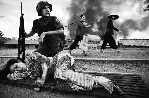 10 Powerful Documentary Photo Essays from the Masters   121Clicks com Vietnam War by Philip Jones Griffiths