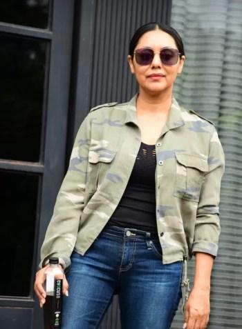 Shahrukh Khan's Wife Gauri Khan Drinks'Black Water'