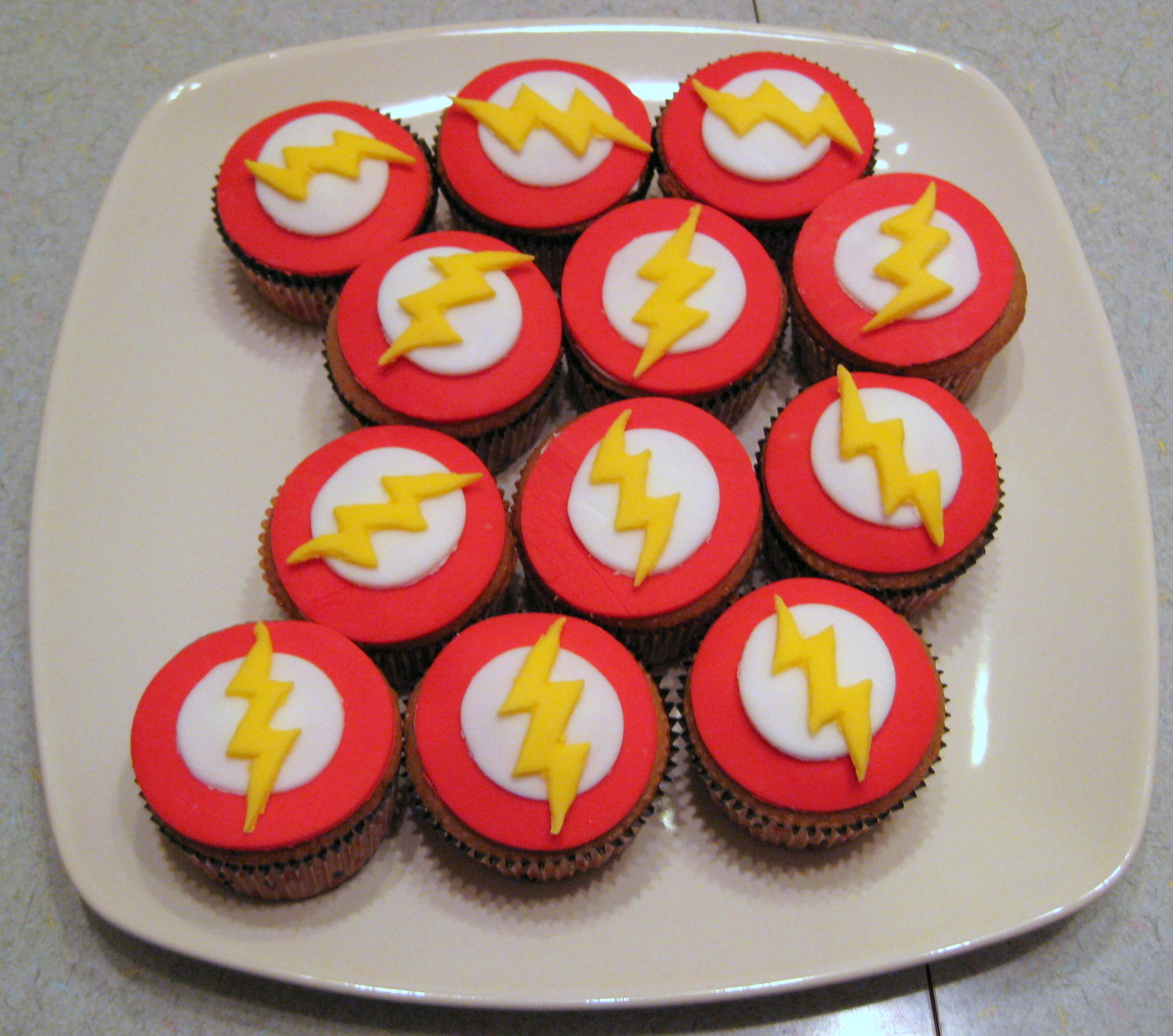 1000 Images About Superhero Cupcakes On Pinterest