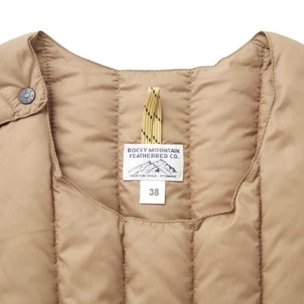 Rocky Mountain Featherbed - SIX MONTH VEST PULLOVER 輕羽絨背心 23